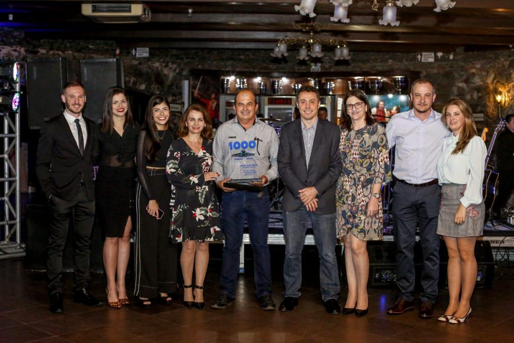 Carboni Iveco homenageia o consultor em noite do Consórcio Iveco em Itajaí IVECO 143