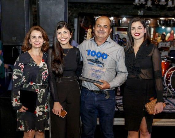 Carboni Iveco homenageia o consultor em noite do Consórcio Iveco em Itajaí