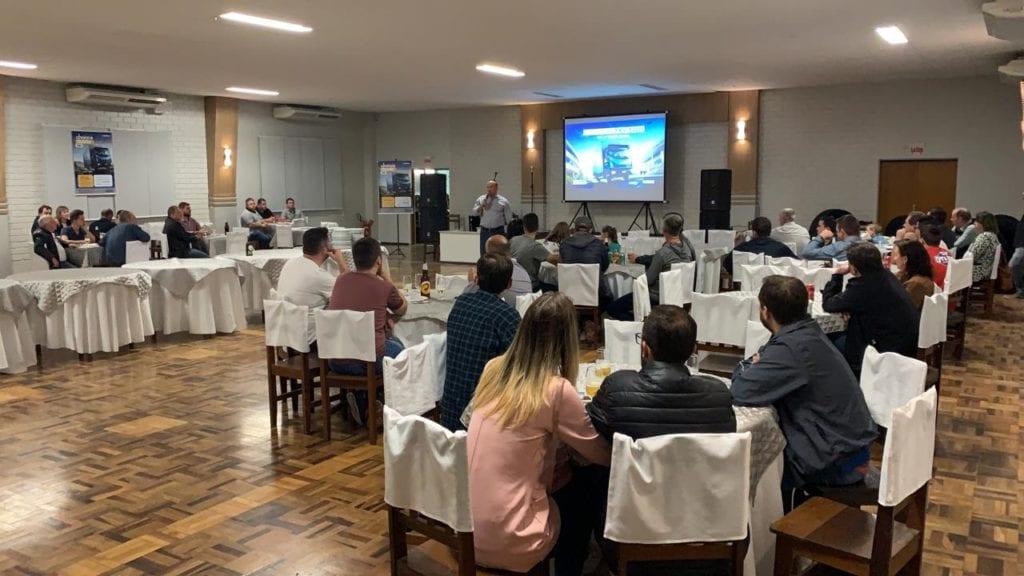 Carboni Iveco apresenta novo Tector no Vale e Norte Catarinense WhatsApp Image 2019 09 25 at 20.35.44