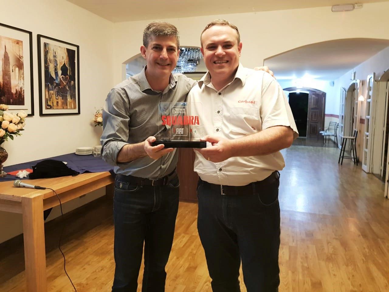 WhatsApp Image 2019 10 31 at 21.44.23 1 Carboni Fiat de Videira recebe prêmio Squadra Fiat - Concessionária e Revenda Autorizada Fiat em Santa Catarina, SC | Carboni Fiat