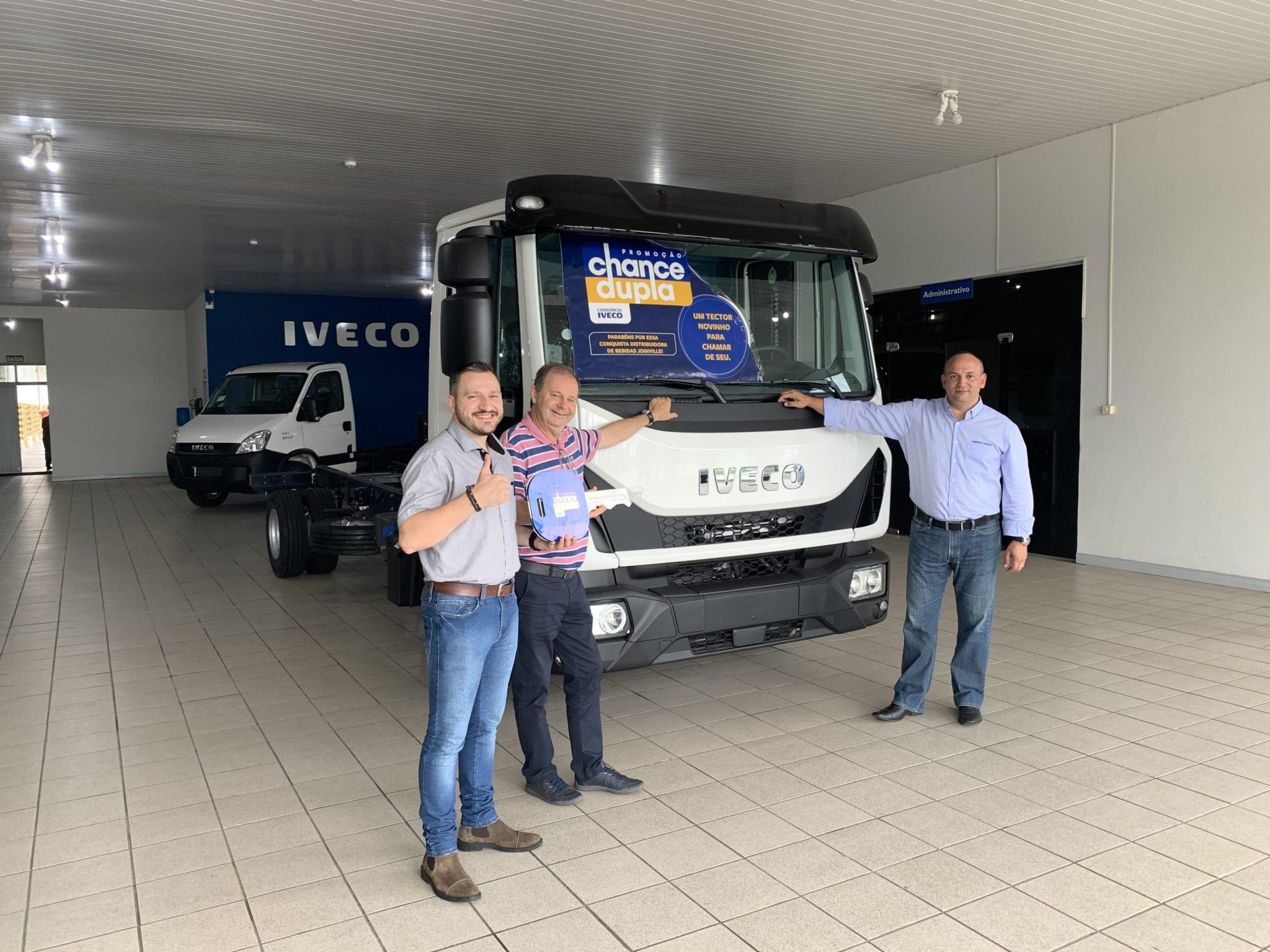 Cliente da Carboni Iveco de Joinville é ganhador da promoção Chance Dupla unnamed3