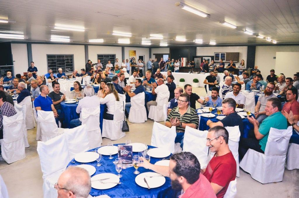 Carboni Iveco de Videira reúne clientes em jantar de confraternização DSC8575