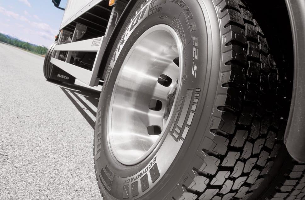 Sabia que errar na escolha dos pneus faz sua empresa sofrer prejuízos? pneus