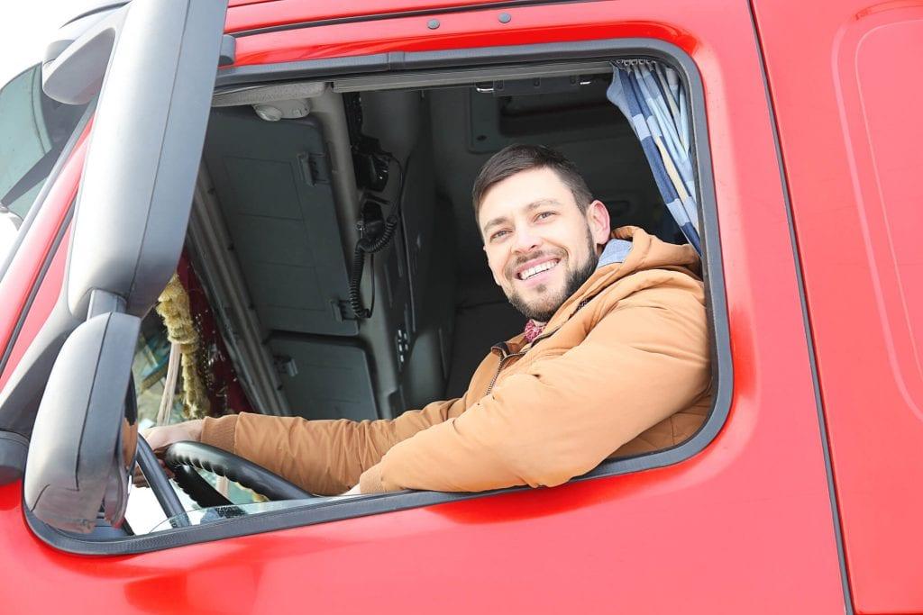 Novato na estrada? Confira 5 dicas para enfrentar a rotina de caminhoneiro 169612 caminhoneiro como e a profissao 1024x683 1