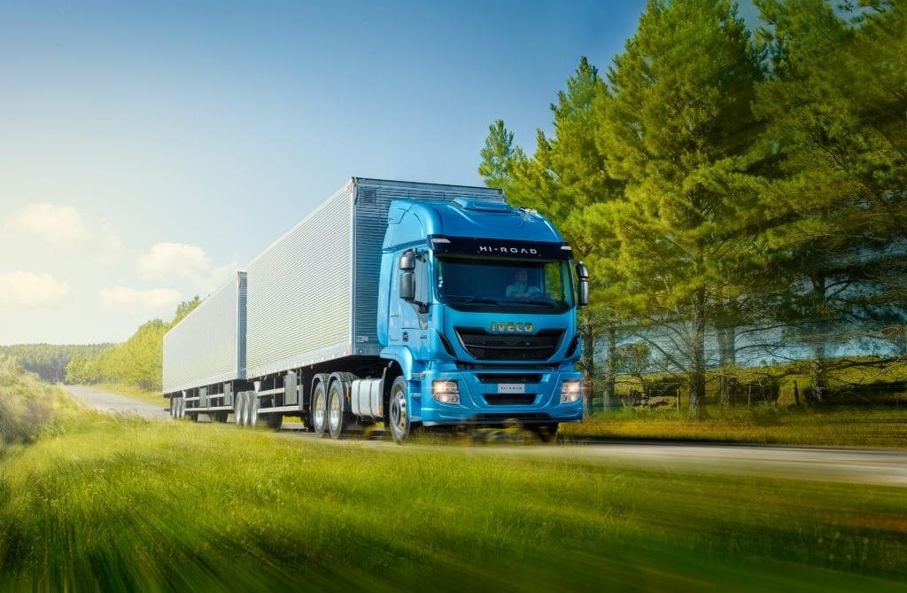 O papel fundamental do transporte de cargas em épocas de crise 20190311154510 caminhao foto base sergio flatten baixa
