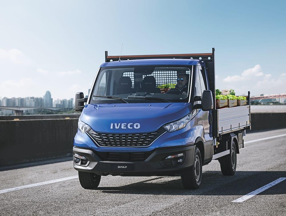 Qual é o maior furgão da Iveco que dá para dirigir com a CNH B?