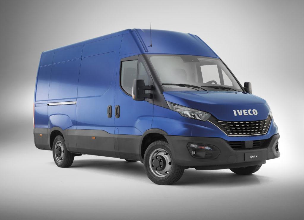 Novo Iveco Daily: conforto interno completo! 20200429180700 34 BLUE HI MATIC 01 Flat