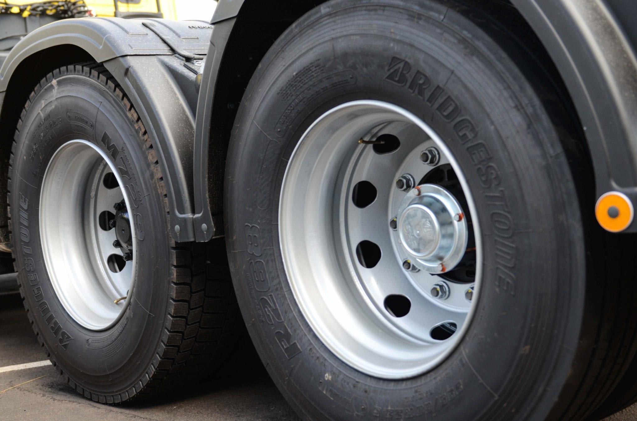 Reduza os custos com pneus com estas dicas!