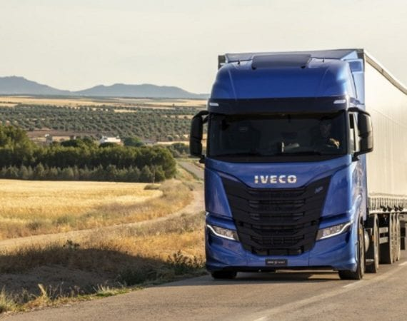 IVECO S-Way NP 460 GNL ganha Prêmio de 'Caminhão sustentável de 2021'