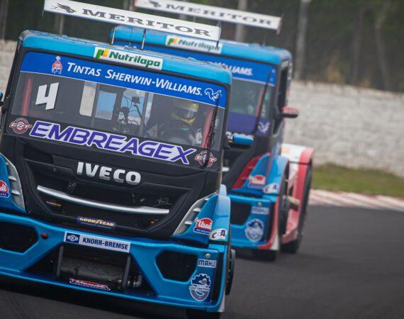 Brutos da IVECO prontos para a maratona da Copa Truck em Curitiba (PR)