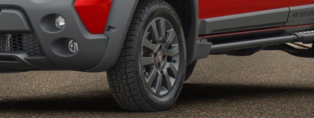 Strada  strada detalhe pney frontal1
