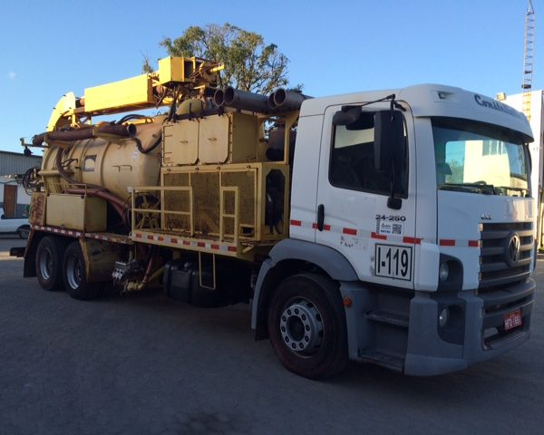 Vw 24-250 Constellation / 25-320 2011 Truck / Super Fossa Prominas
