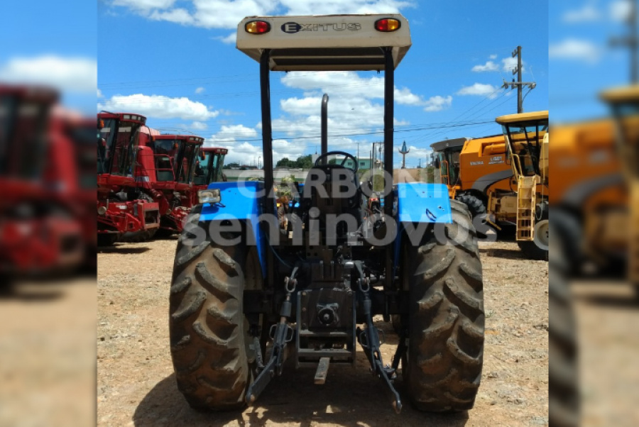 NEW HOLLAND TRATOR TL 85 NEW HOLLAND 2004/2004