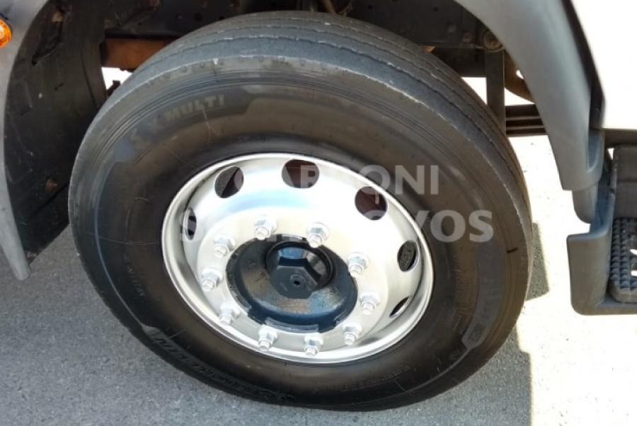 IVECO TECTOR 240E25 6X2 2011/2011