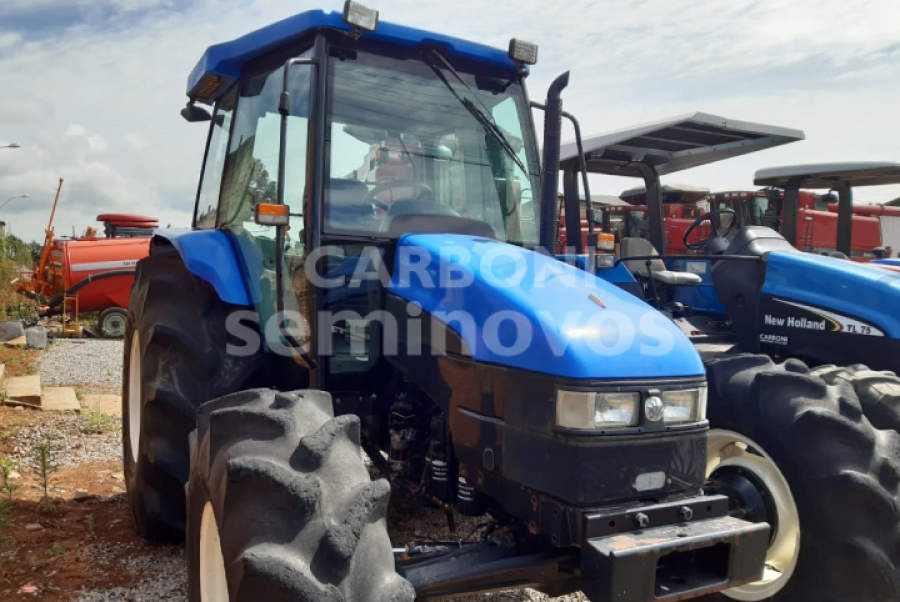 NEW HOLLAND TRATOR TL 85 NEW HOLLAND 2013/2013