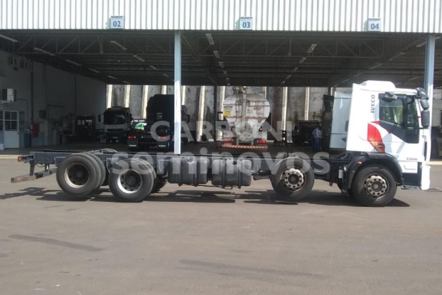 IVECO TECTOR 240E25S 8X2 2010/2010