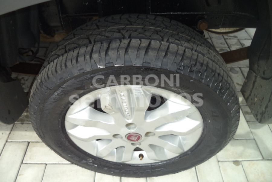 FIAT STRADA ADVENTURE CD 1.8 FLEX 2013/2013