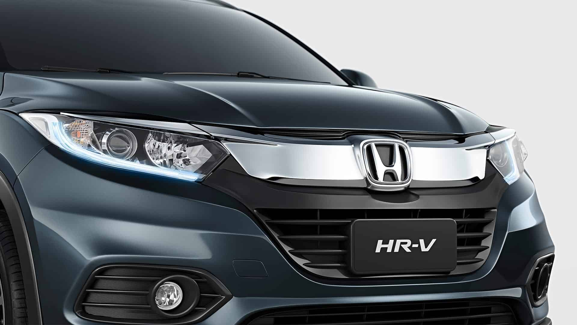 HR-V - Frente imponente com nova grade frontal integrada aos faróis