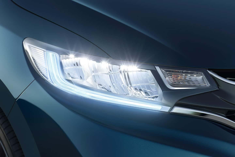 Conjunto Óptico FULL LED: Faróis, DRL e Lanterna traseira em LED - Design moderno e diferenciado em cada detalhe.