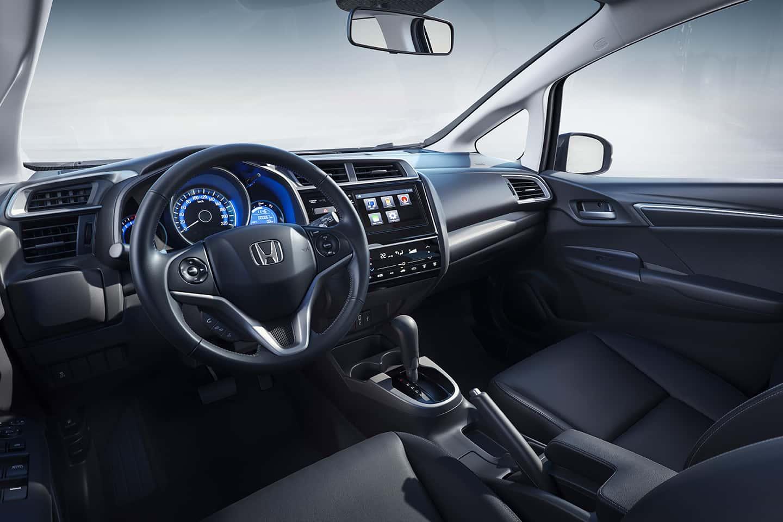 Amplo espaço interno com mais ergonomia - Total conforto para todos dentro do carro.
