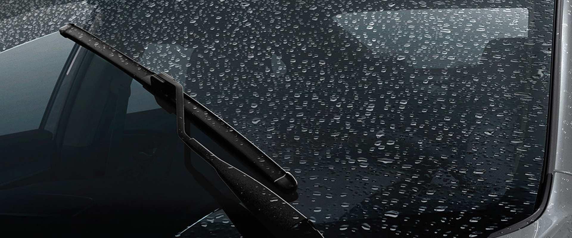 Sensor de chuva - Mais conforto enquanto você dirige: o sensor de chuva aciona automaticamente os limpadores de para-brisa em dias chuvosos.